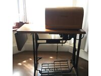 Singer Sewing Machine Old Style Very Powerful