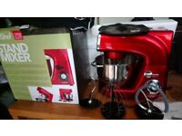 Stand mixer for sale. It's almost new and perfect for bakery or anything you want to prepare.