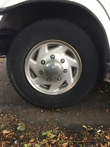 Looking For : Wanted - Hubcap for 1997 Dodge 1 Ton