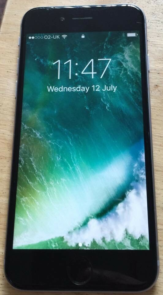 Apple iphone 6in Kearsley, ManchesterGumtree - Apple iphone 6 16gb space grey. It is in immaculate condition just has small crack at top which doesnt effect phone atall! It is unlocked and comes with box and charger. Been in case since day 1 so great condition