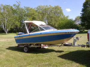 Grew 158 bowrider with 90 hp Evinrude motor