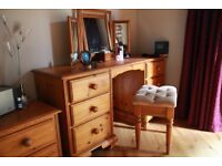 Bedroon dressing table with 6 drawers
