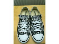 Converse Shoes/Trainers Black and White
