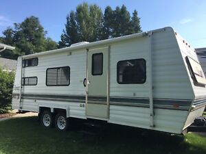 2001 27ft Topaz with bunks