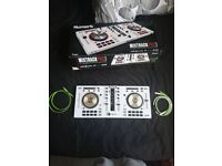 Numark Mixtrack Pro 3 limited edition white