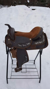 "16"" Western Saddle **FITS A WIDE HORSE"
