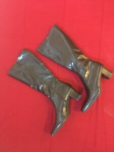 Ladies boots size 11