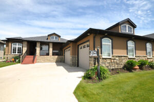 FOR SALE!! STUNNING SINGLE FAMILY DETACHED