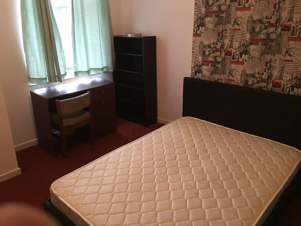 Discounted big double room,good for couple,close to Uni&hospital.Refurbished house.Start from £98p/w