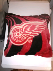 Detroit Red Wing Pillow