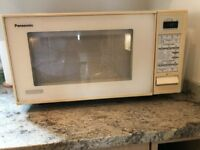 Panasonic microwave oven in good clean condition