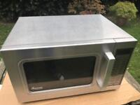 AMANA UALD510 COMMERCIAL MICROWAVE 1000 WATTS.
