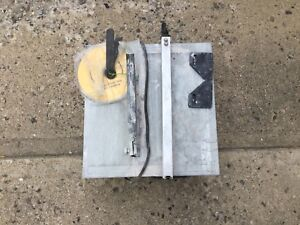 MOVING SALE - Tile Saw with 4 Extra Blades