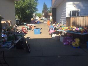 GARAGE SALE TODAY ONLY (Sat, Aug 26th)