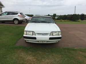 1990 Ford Mustang LX  5.0 Coupe (2 door)