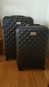 Midi and Large Suitcases