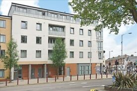 2x rooms to rent in 2 bedroom flat - next to THORNTON HEATH station £650 pcm