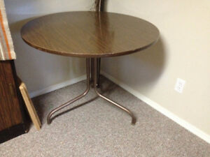FREE 42 inch round kitchen table