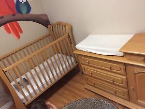 Solid wood nursery set