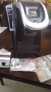 Keurig 2.0 with manual and accessories