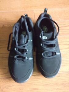 """New Athletic Works """"Megan"""" womens walking shoes size 7"""