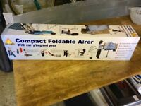 Foldable clothes airer