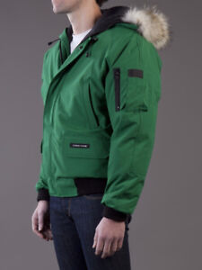 SELLING MEN'S CANADA GOOSE CHILIWACK BOMBER CELTIC GREEN - SMALL