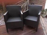 2x wicker garden chairs - great conditon