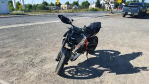 2010 KTM Duke 690 R, $5500