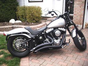 LOW MILEAGE - LIKE NEW!  Harley Davidson Willie G Edition