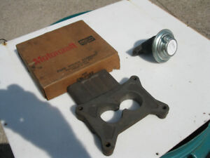 NOS FORD 302 - 351 CARBURETOR SPACER AND EGR VALVE MUSTANG