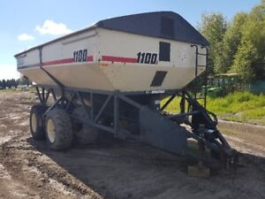 Bourgault 1100 T/A Grain Cart
