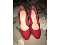 NEW LOOK RED COURT SHOES HEELS size UK7