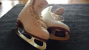 Girls Size 4 Jackson Artiste Figure Skates