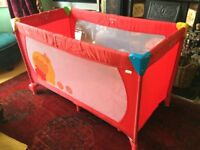 HAUCK PLAY PEN WINNIE- THE-POO DESIGN RED