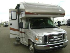 2012 Jayco Class C motorhome 31 foot loaded 5100 miles