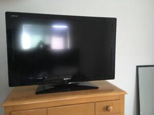 """Sony Bravia 27"""" LCD 720"""