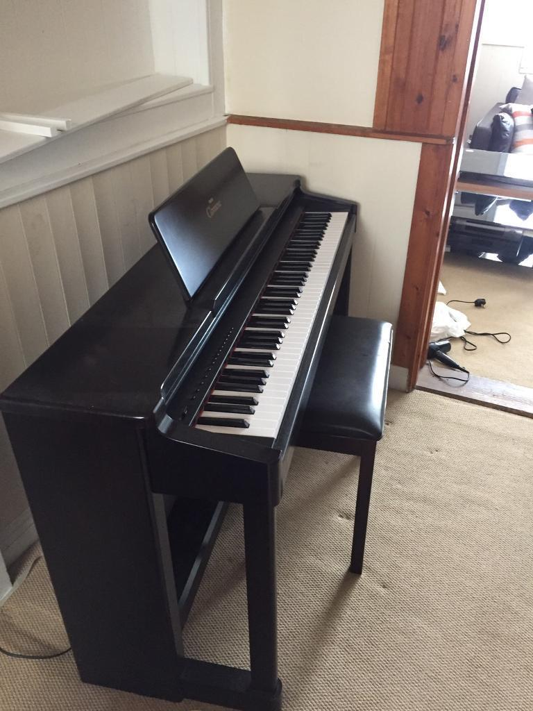yamaha clavinova clp 134 piano keyboard electronic in exeter devon gumtree. Black Bedroom Furniture Sets. Home Design Ideas