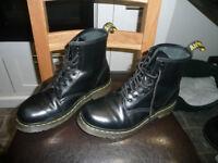 Size 6 Original Doc Martins Black - Unisex