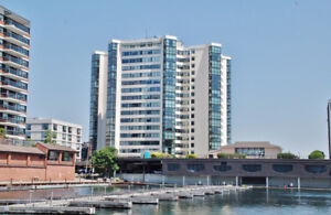 Come See this Beautiful Harbour Place Condo!