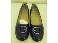 Annaelle Lights Monioue Miley Womens Shoe. Navy. Size 5.