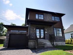 Maison 2 étages à vendre, St-Zotique