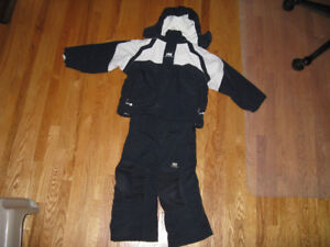 Helly Hansen Snow Suit for a 4 year old, great shape