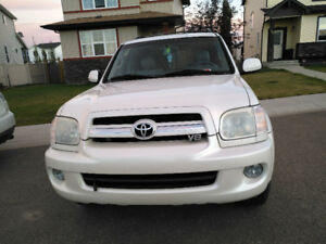 2006 Toyota Sequoia Limited SUV, Crossover