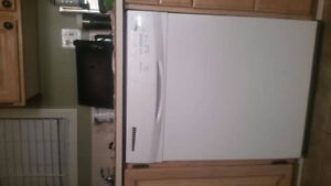 Newer Excellent Condition Whirlpool