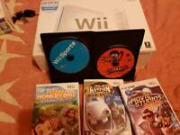 Wii console boxed 5 games