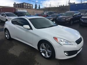 2010 Hyundai Genesis Coupe PREMIUM/ 2.0 / MANUAL