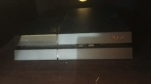 Playstation 4 with 7 games and headset ps4