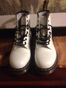 White 8 hole Dr. Martens --Almost new!