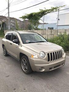 2009 Jeep Compass automatique 4x4.  $3500